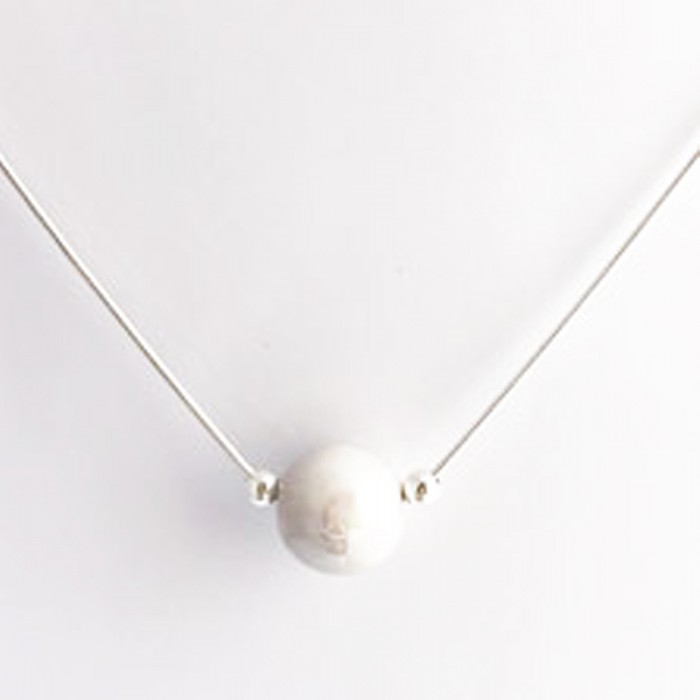 collier ras de cou perles blanches